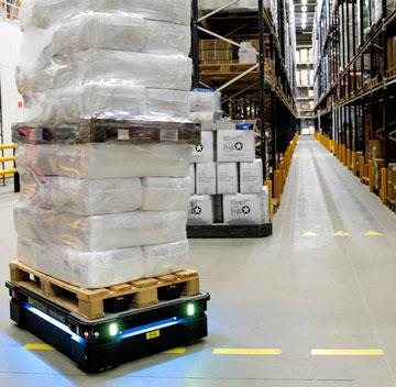 MiR Warehouse AMR